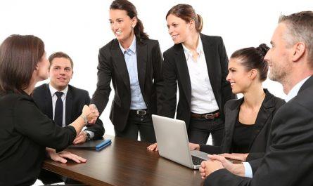 une équipe pour promouvoir les entreprises