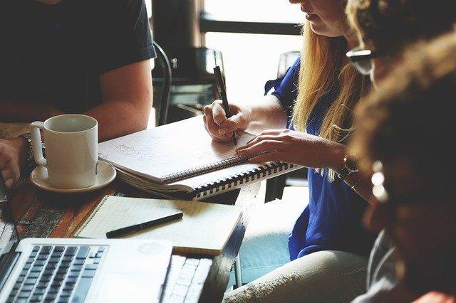 Agence de conception de site web: avantages et inconvénients